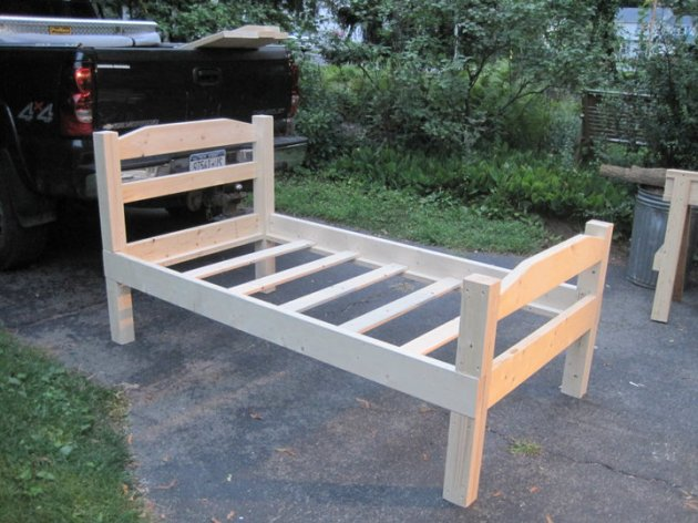 Build Twin Bed Wood Frame Plans DIY Captians Desk Plans